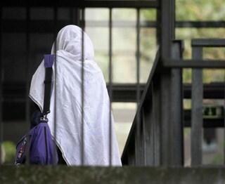 Brescia, ragazza violentata e picchiata in famiglia: a processo il fratello