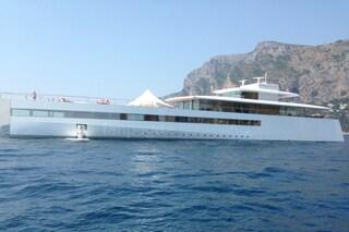 Venus, lo yacht gioiello di Steve Jobs avvistato tra faraglioni di Capri [VIDEO E FOTO]