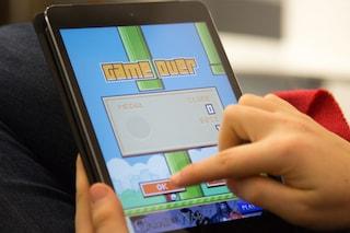 Flappy Bird invade eBay, all'asta gli iPhone con il gioco installato