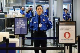 Sicurezza USA, a bordo degli aerei solo smartphone e tablet con la batteria carica