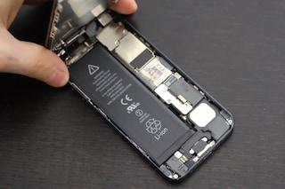 Batteria difettosa su iPhone 5: al via il programma di sostituzione gratuita