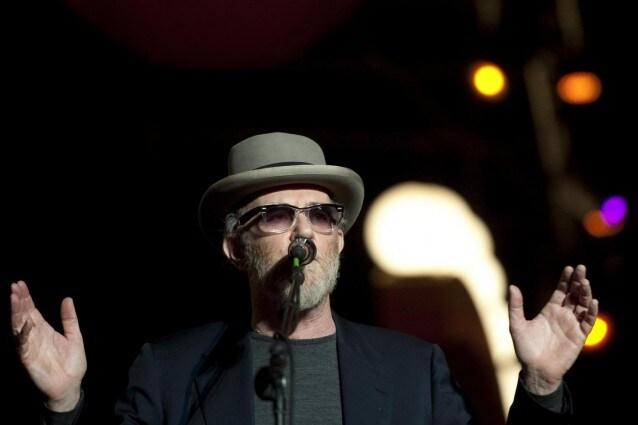 per la prima volta un cantante italiano si esibisce live in streaming