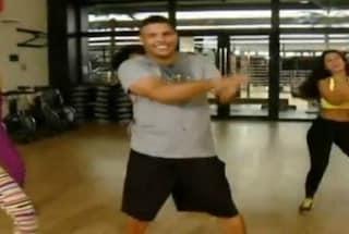 Ronaldo prova a dimagrire ballando il Gangnam Style (VIDEO)