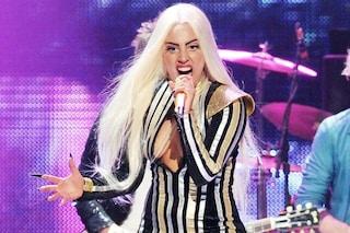 """Una fonte a The Sun: """"Lady Gaga è un mostro con lo staff e le piace il sesso strano"""""""