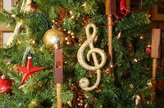 Auguri di Natale: ecco le canzoni per la perfetta colonna sonora