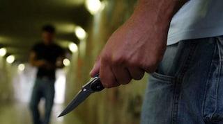 Revocato il Reddito di cittadinanza: pregiudicato minaccia i dipendenti Inps col coltello
