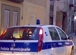 Cadono calcinacci in zona S. Giovanni a Carbonara, ragazza ferita alla testa