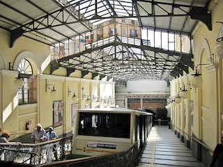 Napoli, oggi la Funicolare Centrale chiude alle 22 invece che alle 2: polemica tra Anm e lavoratori