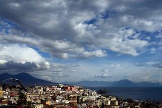 Meteo Napoli e Campania per venerdì 17 maggio: cielo nuvoloso, temperature in aumento