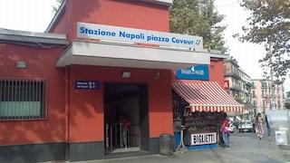 Aggredisce i passeggeri e sequestra la capotreno: arrestato nella stazione metro Cavour