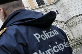 Roma, vigile urbano fa una multa falsa a una collega: era già stato condannato per molestie