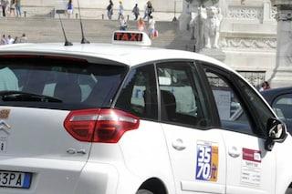 Roma, aggressione razzista a tassista indiano: inseguito, pestato e rapinato da due spacciatori