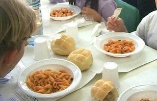Al via il nuovo servizio mense a Roma, ma oggi quasi 1000 bambini sono rimasti senza pasto caldo