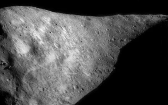 Foto della Nasa della roccia 1998 QE2