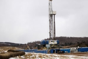 Un impianto per l'estrazione del gas naturale con la tecnica della fratturazione idraulica (fracking).