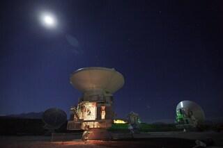 Misteriosi lampi radio dai confini dell'universo
