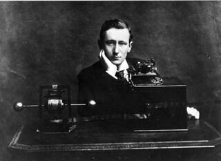 Guglielmo Marconi, storia dell'uomo che insegnò a comunicare