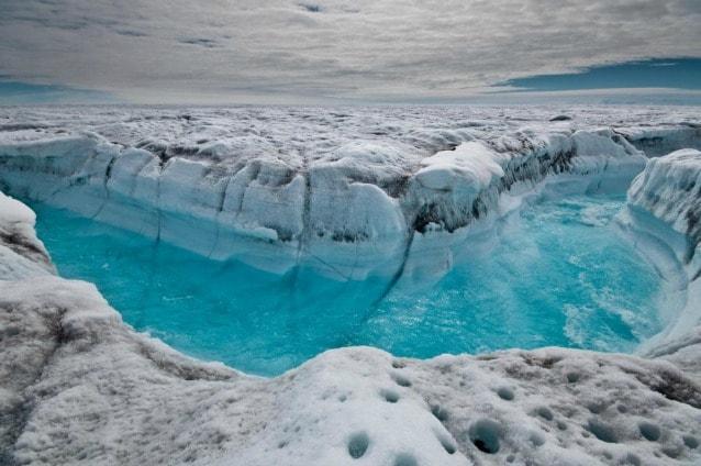 Anche per le terre emerse settentrionali, come la Groenlandia, lo scioglimento dei ghiacciai è tenuto sotto controllo