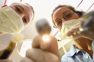 Ma l'ortodonzia invisibile è davvero invisibile?