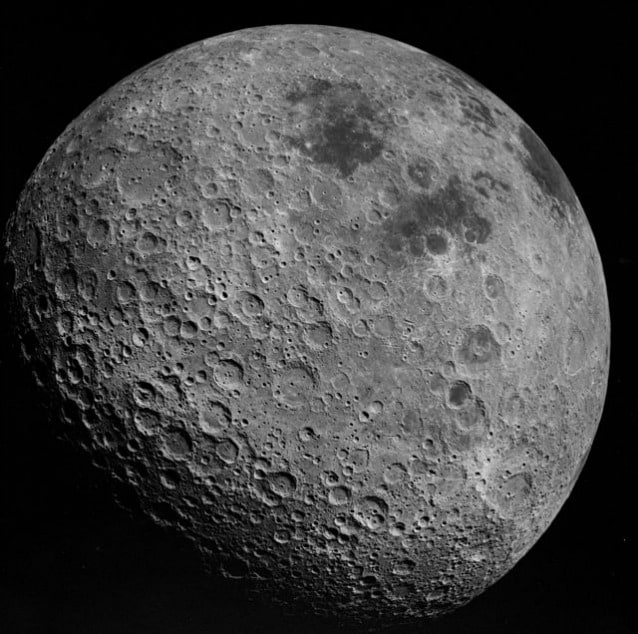 Il dark side of the Moon fotografato dall'Apollo 16