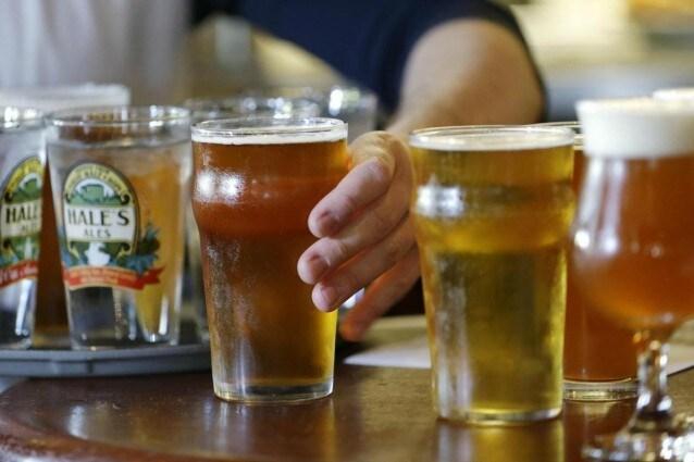 La birra contrasta il cancro, il luppolo contiene una molecola che 'affama' il tumore