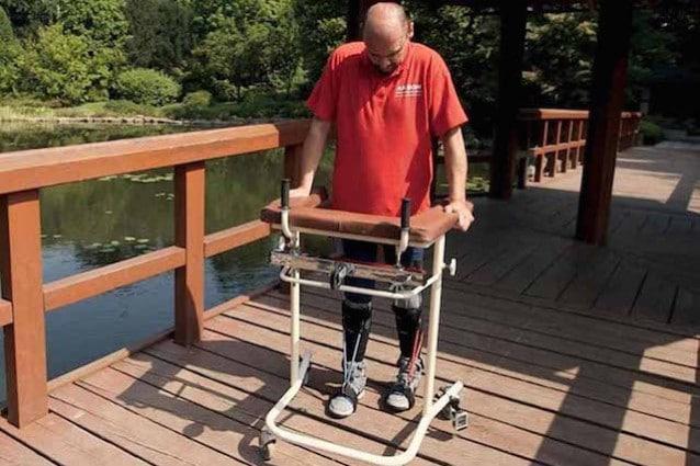 Uomo paralizzato cammina staminali