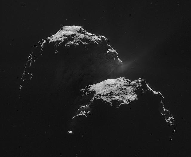 La cometa 67 P in uno scatto del 4 novembre (Credit: ESA/Rosetta/NAVCAM, CC BY–SA 3.0 IGO)