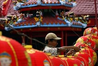 Indonesia: il matrimonio di massa tra musulmani, cristiani e buddisti [VIDEO]
