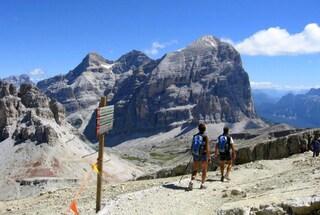 Alpinisti bloccati sulle Dolomiti per il maltempo passano la notte all'addiaccio: sono salvi