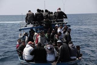 """75 migranti in pericolo a Sud di Malta, Alarm Phone: """"Barca sovraffollata e con poco carburante"""""""