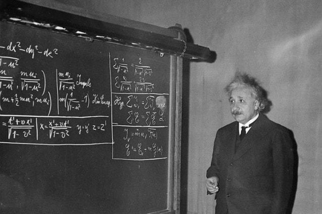 Einstein-relatività