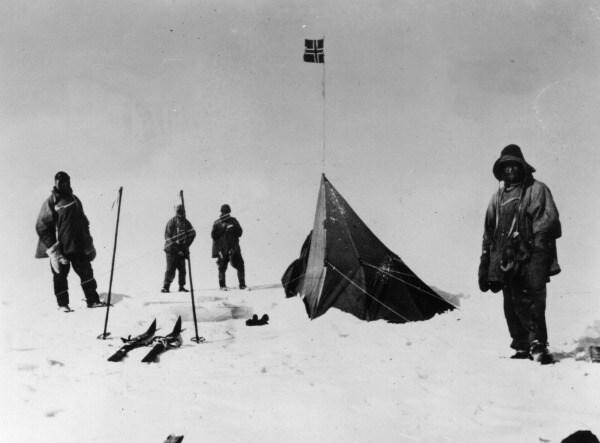 Una spedizione di ricercatori britannici muoverà alla volta dell'Antartide per esplorare un lago coperto da tre chilometri di ghiaccio.