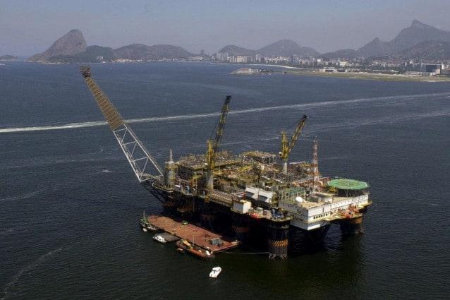 Purtroppo è già cominciato lo sversamento petrolifero al largo delle coste del Brasile, dopo l'incidente che ha coinvolto un pozzo a circa 1200 metri di profondità.