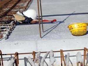 Un bilancio pesante quello delle morti bianche di ieri: in una sola giornata hanno perso la vita quattro operai in quattro cantieri a Roma, Palermo, Carrara e sulla A3.