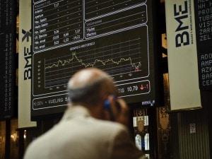 100% di soddisfazione acquistare il più votato reale Borsa, Milano in ripresa ma lo spread continua a salire ...