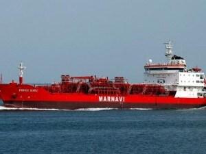 La nave dell'armatore Marnavi di Napoli è stata catturata al largo delle coste dell'Oman: a bordo ci sono 18 persone, sei delle quali compreso il comandante sono italiane. La Farnesina ha confermato la notizia del sequestro.