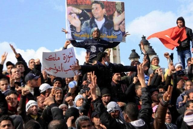 La crisi economica e la diffusione di internet hanno scritto le pagine del 2011, destando da un torpore lungo decenni milioni di persone in ogni angolo di mondo, i manifestanti di qualunque paese, sesso ed età sono stati i protagonisti dell'anno che sta per concludersi, secondo il Times. A cominciare da Mohamed Bouazizi, il fruttivendolo tunisino che si diede fuoco in piazza per dignità.