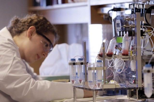 La periostina è la proteina indispensabile al tumore per sviluppare le metastasi, è stata individuata dai ricercatori svizzeri che hanno anche creato in laboratorio un anticorpo capace di neutralizzarla.
