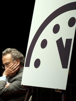 L'orologio dell'apocalisse è a cinque minuti dalla mezzanotte
