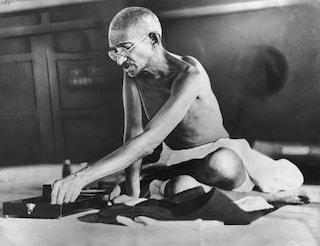 India, rubate le ceneri delMahatma Gandhi