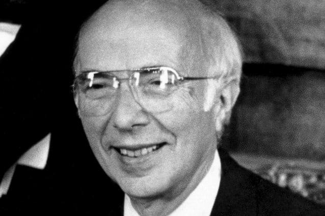 La massima onorificenza, il Nobel per la Medicina, arrivò nel 1975, ma per tutti i suoi 98 anni di vita Renato Dulbecco si è dedicato incessantemente alla ricerca, partecipando al Progetto Genoma Umano e studiando i meccanismi alla base di alcune forme tumorali.