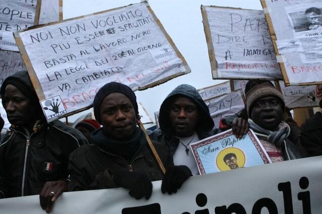 Banca dedicata agli extracomunitari condannata per razzismo