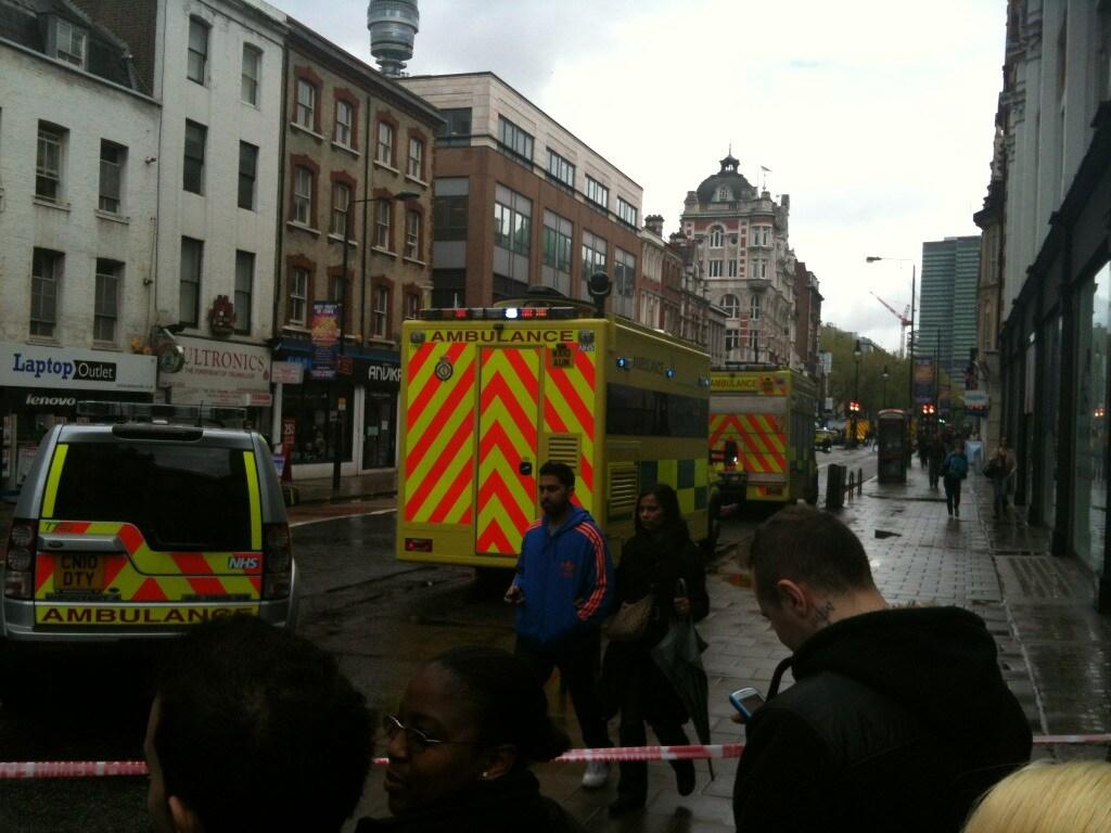 Mezzi d'emergenza in Tottenham Court Road