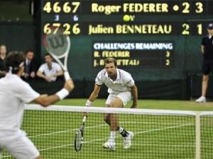 L'italo-argentino Camila Giorgi, numero 145 del mondo, raggiunge gli ottavi di Wimbledon, lunedì sfiderà la Radwanska, numero 3. Soffre Federer con il francese Benneteau