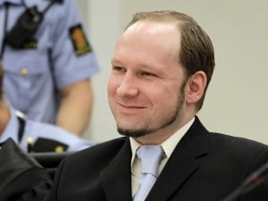 Si conclude oggi il processo allo stragista di Oslo e Utoya: la difesa dell'imputato chiederà l'assoluzione o il riconoscimento della sanità mentale del killer, come da lui auspicato. L'accusa ha invece chiesto l'internamento in ospedale.