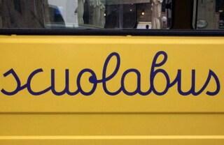 Bimba rom esclusa dallo scuolabus: andrà all'asilo in taxi grazie a una colletta