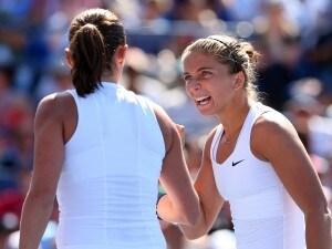 Errani e Vinci hanno sconfitto in finale le ceche Hlavckova e Hradecka. Secondo torneo dello Slam per le azzurre, che avevano vinto anche il Roland Garros. Da domani Sara e Roberta saranno le numero uno della specialità. Murray e Djokovic giocheranno la finale del torneo maschile.