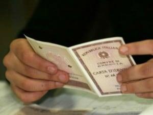 Timbro sbiadito sulla carta d'identità, turista italiana finisce in cella in Germania