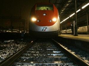 Venezia, macchinista Trenitalia non riesce ad accendere il treno perché troppo ubriaco: licenziato