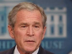 L'ex presidente George W. Bush sbaglia e vota Obama. Ma è un bufala